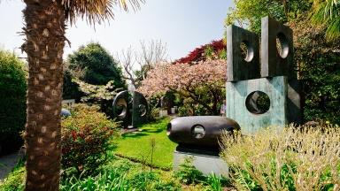 barbara-hepworth-studio-garden-ls